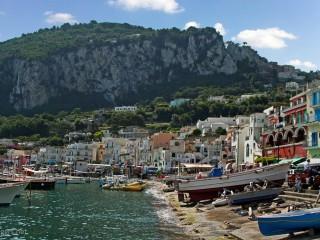 AIDA Bella // Capri